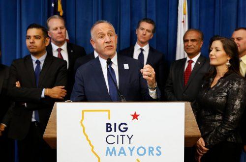 Sacramento Merumuskan Strategi Tunawisma Baru: Mewajibkan Perumahan Secara Hukum